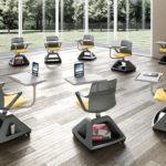 chaise-roulettes-avec-porte-tablette-Rover-EVO