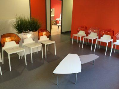 Mobilier-salle-d-attente-maison-de-sante-5